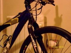 MTB con neumáticos estrechos